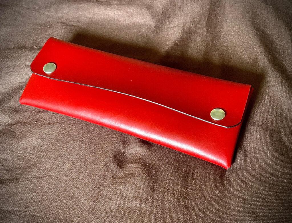 Trousse minimaliste en cuir - tithouan pour ateliercuir.com