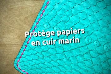 Protège papier en cuir marin ictyos, couture fil MBT glitter - tithouan pour ateliercuir.com