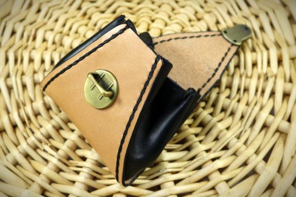 Porte monnaie en cuir forme trapèze à soufflet - ateliercuir tithouan