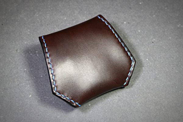 Porte-monnaie hexagone en cuir cousu main au point sellier - tithouan pour ateliercuir.com