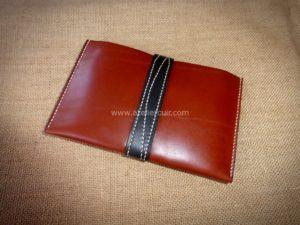porte-passeport décore en cuir