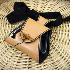 Sac bourse fermoir abeille, besace en cuir tannage végétal pour ceinture ou bandoulière - ateliercuir - Tithouan